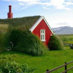 Island - Hütten für Menschen und Hobbits