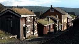Die schöne alte Silbergrubenstadt Røros