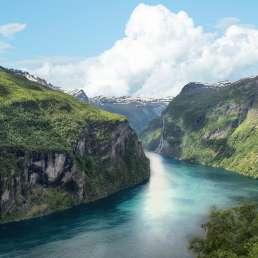 typische Fjordlandschaft in Norwegen