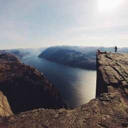 Hoch über den Fjorden