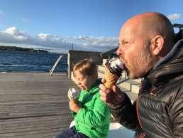 Eisessen in Middelfart auf Fyn in Dänemark