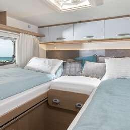 Wohnmobil Die Villa - Schlafbereich im Heck entweder mit 2 Einzelbetten nutzbar