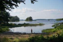 """die Aussicht vom Wohnmobil auf dem Natur-Campingplatz Getnö Gard im """"Lake Åsnen Resort"""""""