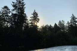 das Wetter war stets unser Freund - Sonnenaufgang über dem Wohnmobil