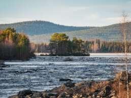 Jokkmokk bietet wunderschöne Seenlandschaften
