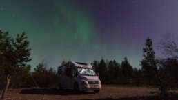 Stadt Land Camp! Wohnmobile lieben Polarlichter